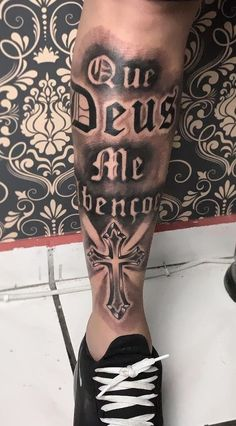 60 religious tattoos to inspire you - Photos and Tattoos .- 60 tatuagens religiosas para você se inspirar – Fotos e Tatuagens 60 religious tattoos to inspire you – Photos and Tattoos - Hand Tattoos, Leo Tattoos, Sleeve Tattoos, Tatoos, Tattoos For Women, Tattoos For Guys, Christ Tattoo, Tattoo Script, Inked Men