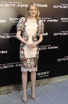Emma Stone in Dolce at 'The Amazing Spider-Man' Premiere in Madrid Dress Brukat, Batik Dress, Sheer Dress, Lace Dress, Event Dresses, Occasion Dresses, Barong Tagalog For Women, Classy Outfits, Chic Outfits