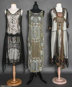 BEADED/SEQUINED DRESSES, MID 2 tabards w/ sequins: 1 black, 1 white w/ black; 1 black net w/ gold, pink & blue embroidery & beading. 20s Fashion, Art Deco Fashion, Fashion History, Retro Fashion, Vintage Fashion, Fashion Design, Fashion Hair, Victorian Fashion, Fashion News