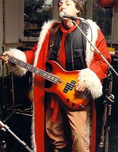 Beatlemaníaca desde eu ainda me surpreendo com fotos incríveis dos Beatles [e que eu NUNCA tinha visto na vida]. Beatlemaniac since I am still surprised by incredible pictures of the Beatles [and that I had NEVER seen in my life]. Sir Paul, John Paul, Liverpool, Guitar Guy, Guitar Tabs, The Quarrymen, Paul Mccartney And Wings, The Fab Four, Ringo Starr