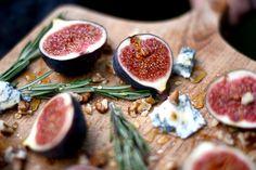 Fig & Gorgonzola Tarts | Inspired by: The Davis #ClubMonacoChinos