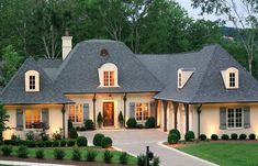 Southern Living Custom Builder : Castle Homes