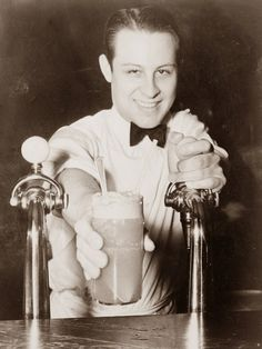 Old Picture of the Day: Soda Fountain