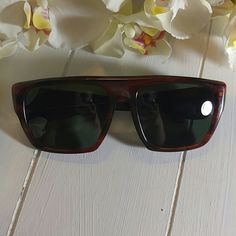 00ac6b78cd1054 VINTAGE 1970s Ray-Ban Drifter Sunglasses These Vintage 1970s Authentic  Bausch  amp  Lomb Ray