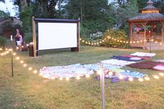 This is sweet:) Brook if you do this chance - Talon - Outdoor movie themed birthday party! This is sweet:) Brook if you do this chance Outdoor movie themed birthday party! This is sweet:) Brook if you do this chance - Backyard Movie Nights, Outdoor Movie Nights, Outdoor Movie Party, Outdoor Parties, Outdoor Movie Screen, Backyard Movie Party, Yard Party, Outdoor Birthday Parties, Outdoor Party Lighting