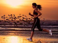 ‎On the Screen (Fitness Workout) by Allenamento Corsa In Musica Running On The Beach, Girl Running, Running Women, Running Music, Running Shorts Outfit, Best Running Shorts, Running Inspiration, Source Of Inspiration, Inspiration Quotes