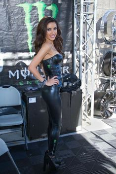 women in leather Monster Energy Girls, Monster Girl, Spandex Girls, Pit Girls, Promo Girls, Latex Pants, Shorts, Girl Fashion, Cute Outfits