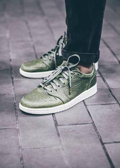 Nike Air Jordan I Low: No Swoosh