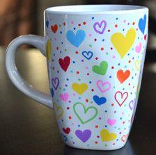 Valentine's Day gifts for women Marker Crafts, Sharpie Crafts, Diy Sharpie Mug, Painted Mugs, Hand Painted Ceramics, Pottery Painting, Ceramic Painting, Sharpie Mug Designs, Diy Becher