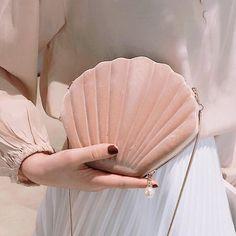 Velvet SeaShell Soft Aesthetic Purse - White