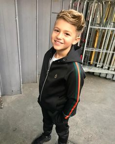 Source by AHomeSchoolJourney Sweatshirts Teenage Boy Fashion, Young Boys Fashion, Preteen Fashion, Teenage Girl Outfits, Teenager Outfits, Boy Outfits, Cute 13 Year Old Boys, Young Cute Boys, Cute Teenage Boys