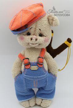 Crochet Pig, Crochet Animal Amigurumi, Crochet Doll Pattern, Crochet Toys Patterns, Cute Crochet, Amigurumi Doll, Crochet Animals, Plush Dolls, Stuffed Toys Patterns