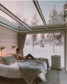 all my winter dreams ☃️Planning another cold Christmas this year 😍What's the best places to spend Christmas in Europe? Northern Lights Ranch, Beautiful Hotels, Beautiful Places, Christmas In Europe, Winter Christmas, Christmas Interiors, European Home Decor, Cool Rooms, Stargazing