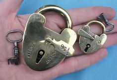 Rare-large-and-small-fine-quality-19thC-British-brass-padlocks-with-keys