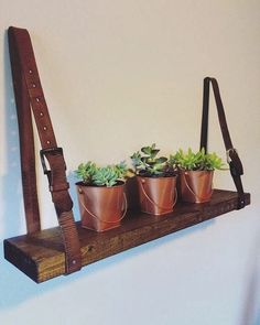 Popular Diy Wood And Leather Trellis Plant Wall Ideas. If you are looking for Diy Wood And Leather Trellis Plant Wall Ideas, You come to the right place. Upcycled Furniture, Diy Furniture, Vintage Furniture, Diy Holz, Diy Décoration, Leather Furniture, Leather Interior, Plant Wall, Wooden Shelves