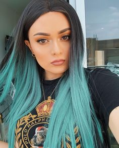 Neon Hair, Blue Hair, Pelo Color Azul, Natural Hair Styles, Short Hair Styles, Estilo Cool, Green Wig, Pretty Hair Color, Aesthetic Hair