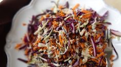 9 Detoxifying Summer Cabbage Recipes: Detox Slaw with Purple and Green Cabbage, Carrot, Yellow Onion, Black Sesame seeds Summer Cabbage Recipe, Raw Cabbage Recipe, Cabbage Recipes, Slaw Recipes, Raw Food Recipes, Healthy Recipes, Healthy Meals, Yummy Recipes, Vegetarian Recipes