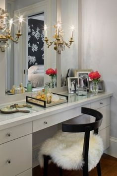 Lovely vanity...have to create one of these to display the vanity tray I have from my Nana.