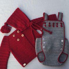 """Ranitas """"made in"""" La Casita de Mica, una de las prendas que más he tejido en los casi dos años que llevo cumpliendo mi sueño🌟⭐️🌟!! #NuncaDejesdeSoñar #RanitaCrochet #ConMuchoMimo #LaCasitadeMica Crochet For Kids, Crochet Baby, Knit Crochet, Crochet Patron, Crochet Designs, Baby Wearing, Outfit Sets, Baby Knitting, Baby Dress"""