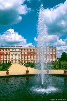 Hampton Court in England