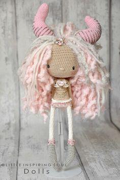 Mesmerizing Crochet an Amigurumi Rabbit Ideas. Lovely Crochet an Amigurumi Rabbit Ideas. Crochet Diy, Crochet Amigurumi, Crochet Doll Pattern, Amigurumi Doll, Crochet Patterns, Knitted Dolls, Crochet Dolls, Crochet Mignon, Rabbit Crafts