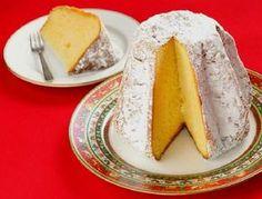 Es un pan dulce típico de Italia. Se come en Navidad y originariamente no lleva frutas se caracteriza por su masa que es liviana y bien esponjosa.