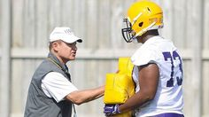 LSU Tigers coach Les Miles survives uncertainty to face Wisconsin Badgers