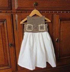 Petite robe avec haut en crochet chocolat et jupe en blanc (2-3 ans) : Mode filles par vacri-baby-and-kids