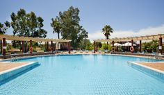 Qué apetecible es nuestra #piscina. No te quedes con las ganas y date un buen baño. ¡Te lo mereces!