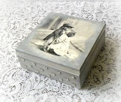 Vintage style wooden keepsake box jewelry box by CarmenHandCrafts                                                                                                                                                                                 Mais