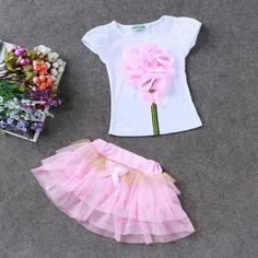 Conjunto de roupas 2017 meninas Novas do Verão Vestido de Princesa das  crianças + camiseta conjuntos de roupas roupa dos miúdos Crianças Agasalho  Meninas ... bf7a1a3859