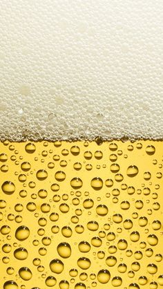 Retina Display iPhone Wallpapers - close up of a beer with foam on top