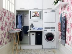 Embrace wallpaper with some pattern! // laundry room