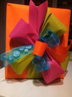 Como envolver regalos, ideas para envolver regalos, como envolver regalos DIY, envolturas de regalos, empaques de reagalos, como envolver regalos, como empacar regalos, envolturas de ragalos faciles de hacer, como hacer envolturas de regalo, DIY como envolver regalos, how to wrap gifts, ideas for gift wrapping, gift wrappers easy to make #envolturasderegalo #ideasparaenvolverregalos #comoenvolverregalos #diycomoenvolverregalos