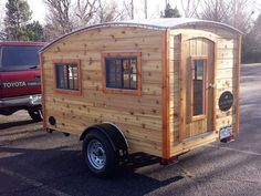 A teardrop camper built by Casual Turtle Campers located in Fort Collins, Colorado Teardrop Trailer Interior, Diy Camper Trailer, Tiny Camper, Small Campers, Truck Camper, Build A Camper, Teardrop Campers, Camper Life, Rv Campers