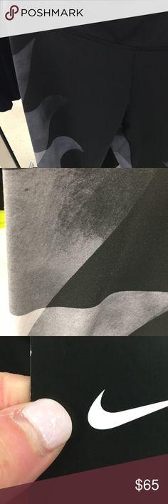 NWT Women's Nike Crop Leggings Brand new top of the line Women's Nike cropped leggings. Never been worn! Nike Pants Leggings