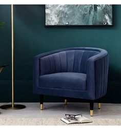 Sit back in sophistication on this art deco armchair upholstered in rich forest green velvet upholstery. Green Velvet Armchair, Velvet Lounge, Deco Addict, Inspiration Design, Upholstered Arm Chair, Bedroom Armchair, Swivel Chair, Chair Cushions, Bedroom Green