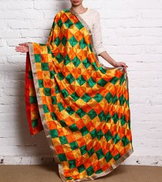 The Bay of Karigar's showcases its exquisite craftsmanship by artisans across the country with their traditional prints and motifs.
