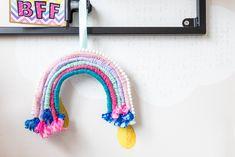De kinderslaapkamers mocht ik voorzien van een compleet interieuradvies. Wat inhoudt dat ik van sfeer tot productkeuzes het interieur heb mogen vormgeven. Onwijs leuk om te doen! Ook voor de kleedruimte mocht ik meubels op maat ontworpen en een advies geven voor kleuren en materialen. Interieurontwerp: Laura Hindriks Fotografie: Angeline Dobber Bff, Crochet Earrings, Bestfriends