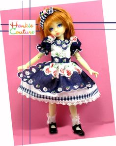 Outfit for dolls by Kaye Wiggs ♡ dolls Tillie and Millie ♡ hankiecouture.com  ♡ #hankiecouture