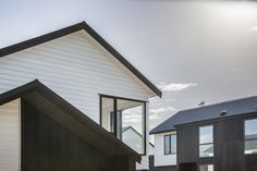New homes in Fernwood Place, Waiotaiki Bay by Architects Ashton Mitchell.