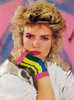 J'aime beaucoup la mitaine courte. 80's fashion with Kim Wilde