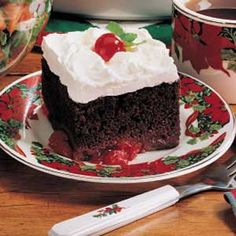Easy Black Forest Cake : chocolate cake mix, mini marshmallows, cherry pie filing, cool whip | Taste of Home