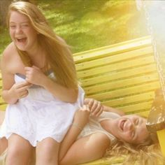 Me and my best friend love this picture idea (: Best Friend Poses, Best Friend Pictures, My Best Friend, Best Friends, Senior Pics, Senior Pictures, Cute Pictures, Friend Photography, Photoshoot Ideas