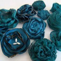 9 Fabric Flower Tutorials {fabric flowers}