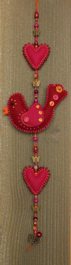geluksvogel v FINN Felt bird decoration Red and pink Luckybird and door StudioSimone, Felt Christmas Decorations, Felt Christmas Ornaments, Christmas Crafts, Fabric Crafts, Sewing Crafts, Fun Crafts, Diy And Crafts, Felt Gifts, Felt Embroidery