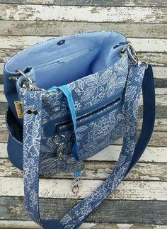 Makerist - Beuteltasche Lissy von Zaubernahnna - Nähprojekte - 2 Clay Wall Art, Clutch, Handmade Bags, Sewing Hacks, Bag Making, Couture, Color Schemes, Design Inspiration, Handbags