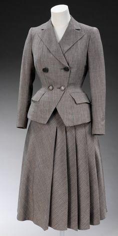 Hardy Amies - 1947 - Edwin Hardy Amies, England - British interpretation of Christian Dior's 'New Look' - Victoria and Albert Museum Collection, London