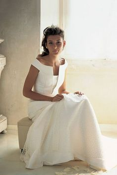 Newest Pictures Bridal Boutique inspiration Ideas It's complicated to understand what to expect when you visit a wedding outfit boutique. Bridal Outfits, Bridal Dresses, Flower Girl Dresses, Wedding Attire, Wedding Gowns, Dress Vestidos, Elegant Wedding Dress, Bridal Boutique, Beautiful Gowns