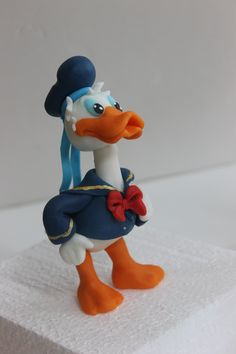 . Donald Duck Cake, Fondant Figures, Smurfs, Cake Toppers, Cartoons, Clay, Characters, Toys, Friends